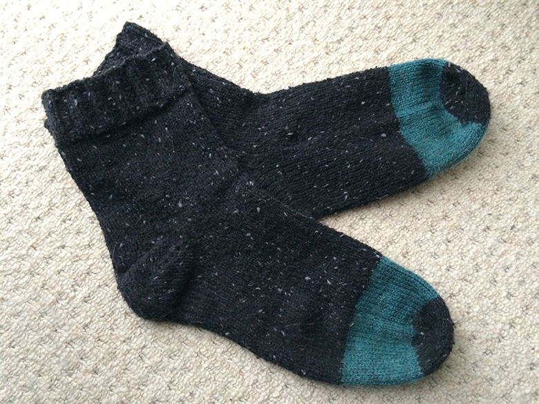 black-green-socks2
