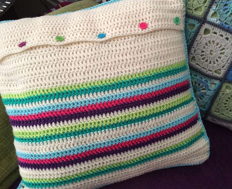 granny-square-cushion-back